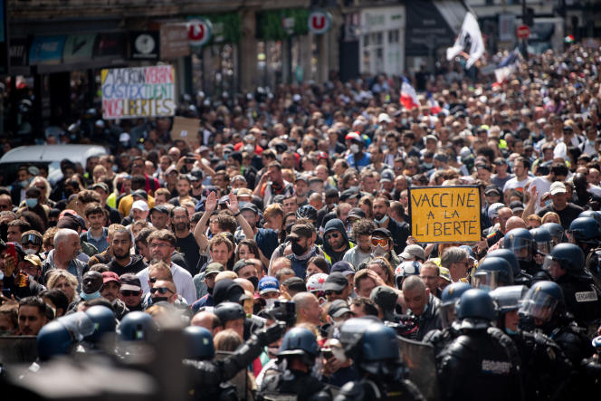 Demonstration yesterday in Paris against the Covid Passport